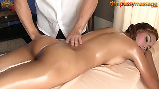 Bootylicious Thai cooky massaged, then fucked doggystyle