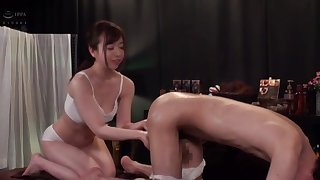 Sensual massage ends with a beloved girl having her puss licked