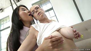 Asian babe Katana enjoys lesbian action with granny Violett