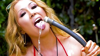 nothing can please Kianna Dior as a hard penis in her mouth and pussy